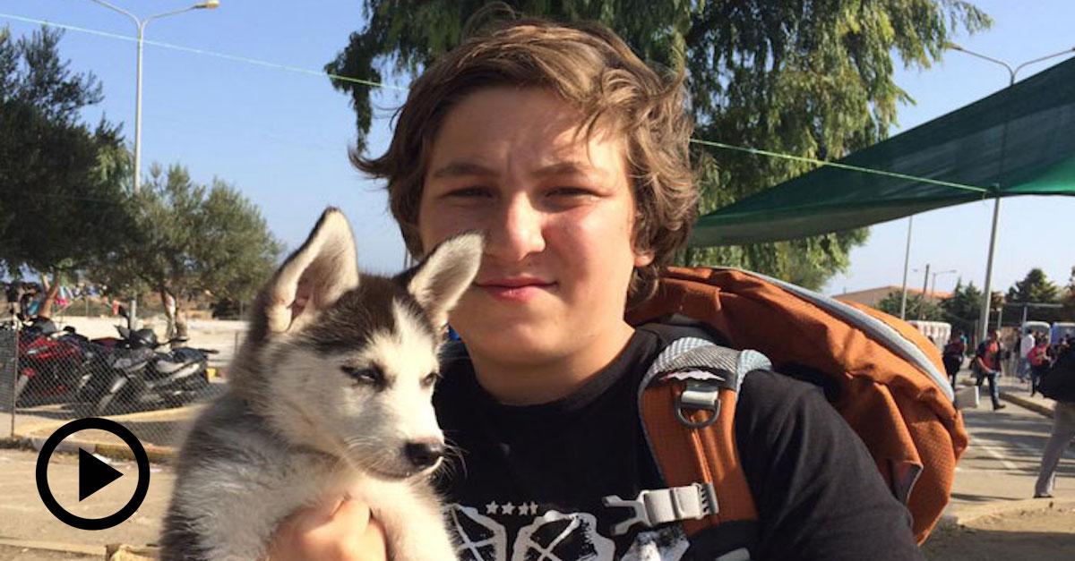 17ti letý chlapec nesl své štěně přes 500 km za novým domovem