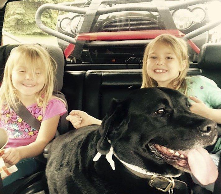 dítě a pes s dítětem novorozeně novorozenec příběh soužití nejlepší přátelství přítel 7