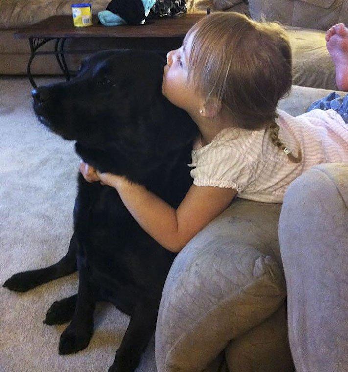 dítě a pes s dítětem novorozeně novorozenec příběh soužití nejlepší přátelství přítel 9