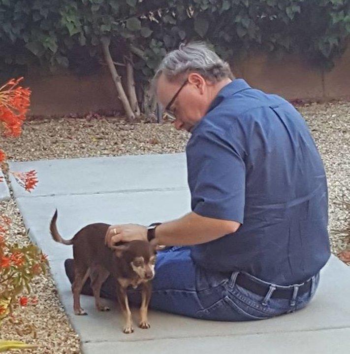 slepý pes v útulku péče o slepého hluchého psa adopce 8