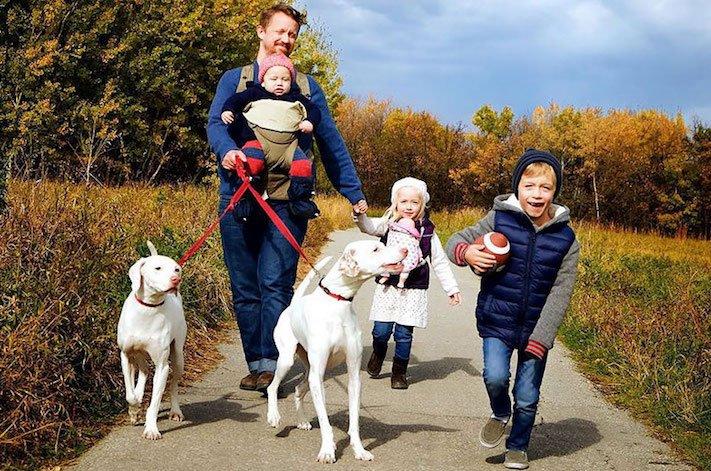 fotoalbum, děti a psi, pes a dítě, dítě se psem, novorozenec, pes, fotky, obrázky, příběhy, diskuze 13