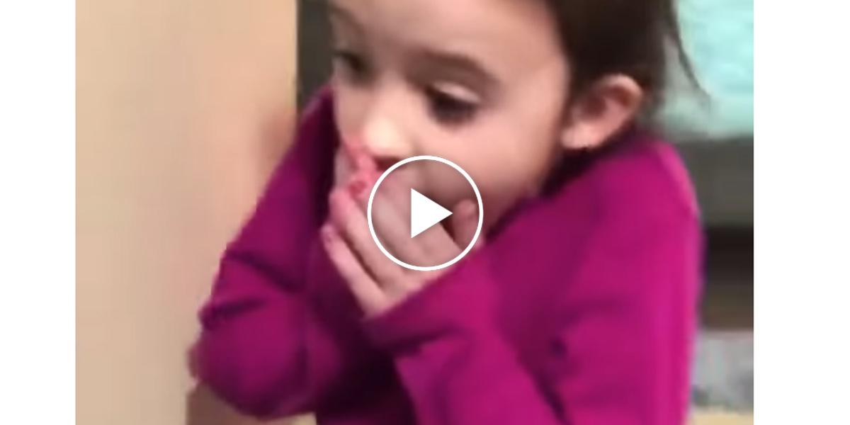 Tahle holčička měla tu nejkrásnější reakci na narozeninové překvapení